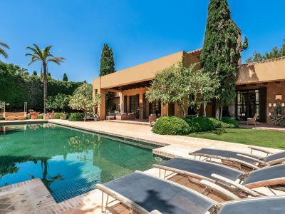 Exquisite Villa in einzigartigem Stil in Guadalmina Baja