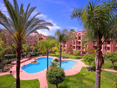 Generous apartment 50 m from the beach