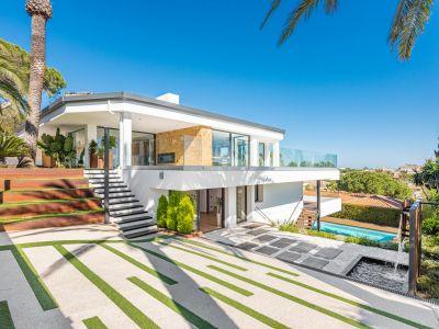 Villa moderna con increíbles vistas al mar