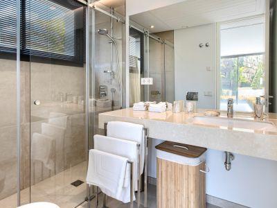 Stunning new contemporary villa in La Alquería