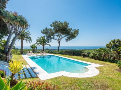 Sensational Hill Top Estate with uninterrupted Sea views