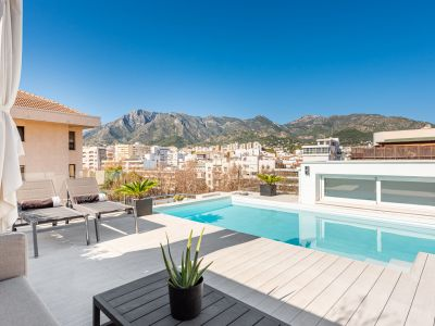 Incredible Penthouse with Private Rooftop Pool in Marbella Center