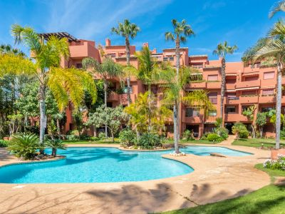 Unique duplex penthouse 50 m from the beach in Las Chapas Playa Marbella