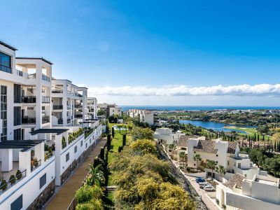 Apartment with golf and sea views in Flamingos Golf