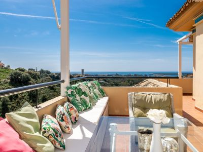 Amazing Penthouse with sea views in Elviria