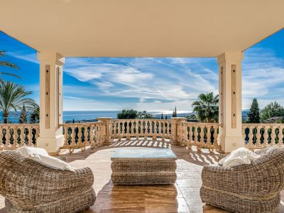 Outstanding traditional villa in Sierra Blanca