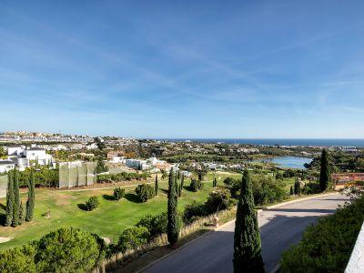 Spacious penthouse with amazing panoramic sea views, Flamingos Golf