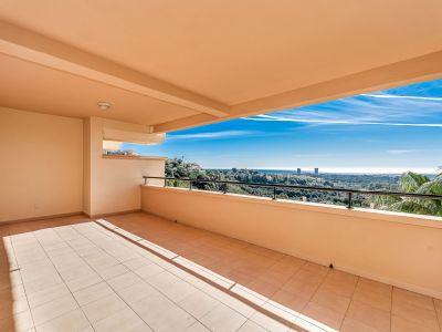 Magnificent apartment with sea views in Elviria