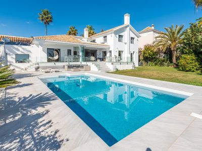 Villa moderna con fantásticas vistas al mar in El Rosario Marbella