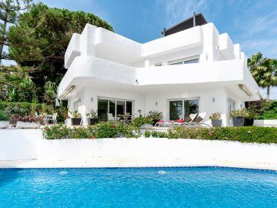 Mediterrane Villa mit atemberaubendem Panoramameerblick