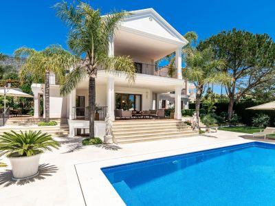 Zeitgenössische Villa mit Meerblick
