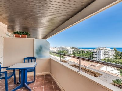 Apartment beachside with sea views