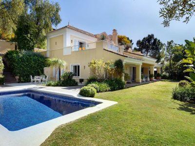 Villa à vendre dans Puerto del Almendro, Benahavis