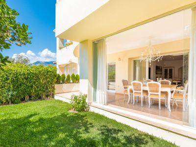 Garden apartment near the beach in Bahía de Marbella