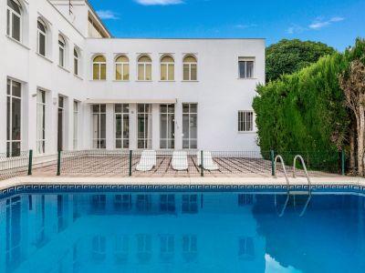 Villa zur Renovierung im Nueva Andalucia