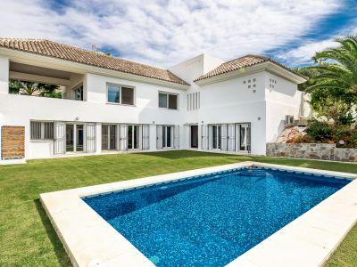 Villa Andaluza moderna en Paraíso Alto