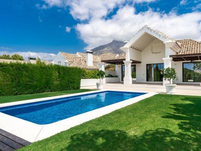 Villa im mediterranen Stil in privater Umgebung