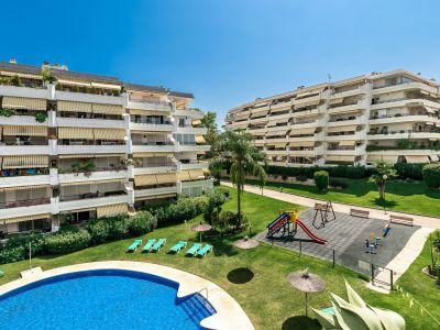 Estupendo apartamento en ubicación privilegiada, Guadalmina Alta