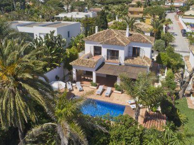 Fascinante villa lado playa en Marbesa
