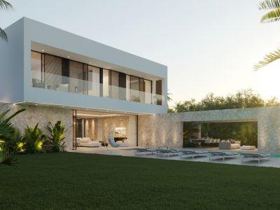 Stylische Neubauvilla, wenige Meter vom Strand