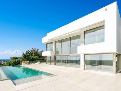 Spectacular front line golf villa with breath-taking views, La Alquería