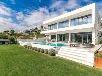 A real frontline golf jewel with stunning views, La Alquería