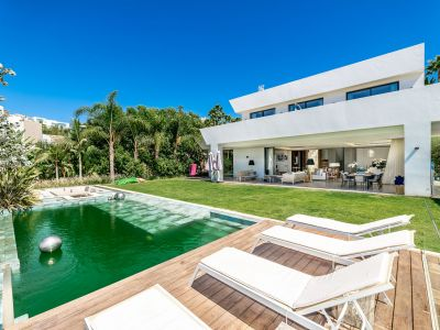 Stilvolle Villa mit herrlichem Meerblick in La Alquería