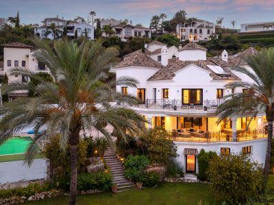 Majestätische Villa in erster Golflinie mit unglaublicher Aussicht, Los Arqueros