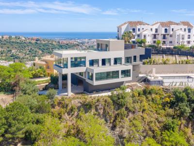 Magnífica villa moderna con impresionantes vistas panorámicas