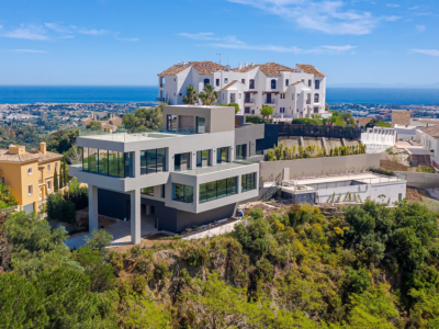 Magnificent modern villa with stunning panoramic views