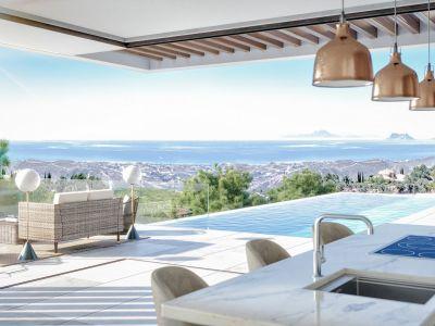 Exclusive villa with stunning views to Gibraltar in Real de La Quinta