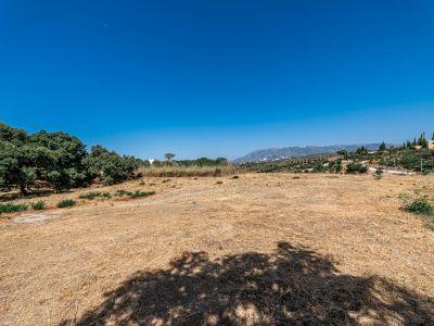 Grundstück in bester Lage mit Meerblick in Elviria Marbella