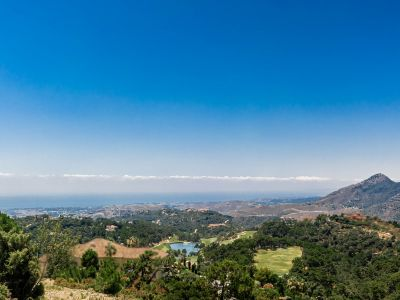 Amazing plot to build with panoramic sea and golf views in La Zagaleta