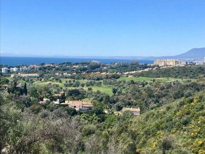 Grundstück mit 2 Villenprojekten und Meerblick in El Rosario Marbella