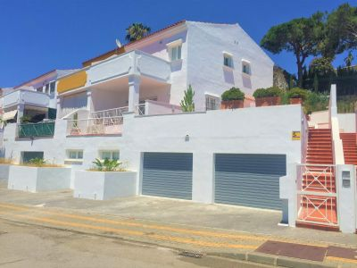 Profitable semidetached house in Cabopino