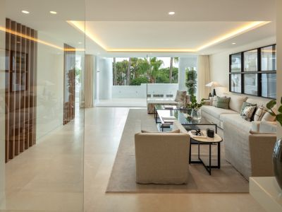 Magnificent duplex penthouse in Marina Puente Romano