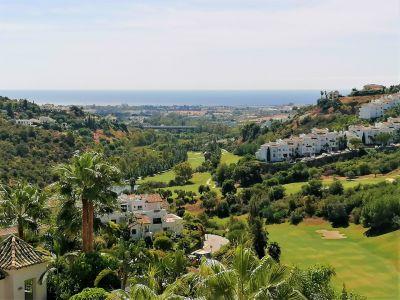 Stylish modern villa with panoramic sea and golf views, La Quinta