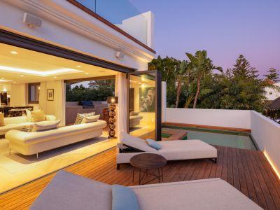 Villa de lujo en segunda línea de playa Puente Romano
