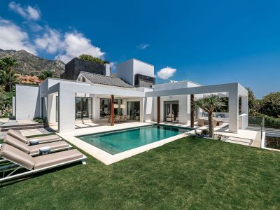Just completed - Exceptional stylish villa in Sierra Blanca