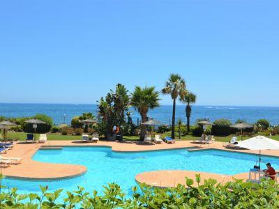 Spectacular beachfront duplex-penthouse, Ventura del Mar
