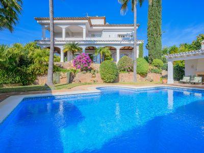 Elegant beachside villa in Bahia de Marbella