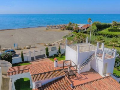 Beachfront Villa close to Puerto Banús, San Pedro