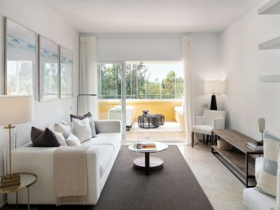 3 bedroom frontline golf apartment in Río Real Golf Marbella
