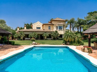 Stately mansion near the beach of Guadalmina Baja