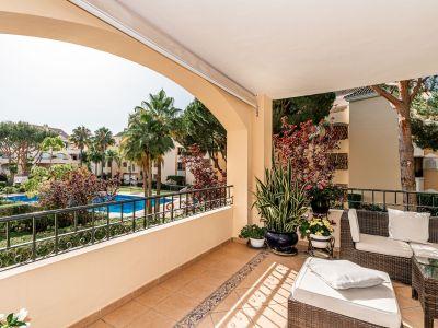 Precioso apartamento de 2 dormitorios junto a la playa en Hacienda Playa Elviria