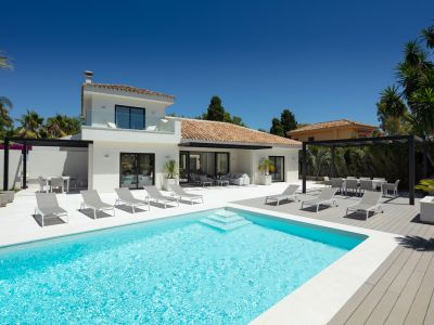 Contemporary villa just a few metres from the beach, San Pedro