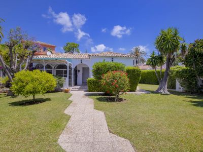 Cosy bungalow in Marbesa, 200 m to the beach