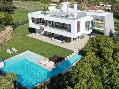 Villa ultramoderna a estrenar en el Valle del Golf