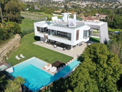 Brand new ultra-modern Villa in the Golf Valley