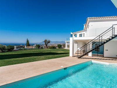 Villa with breathtaking panoramic views in El Rosario Marbella